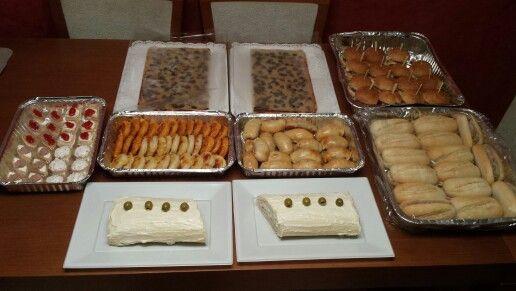 Catering para una cena de Cumpleaños!! Tartaletas, coca, hojaldres, preñditos, pionono, mini hamburguesas y bocadillitos