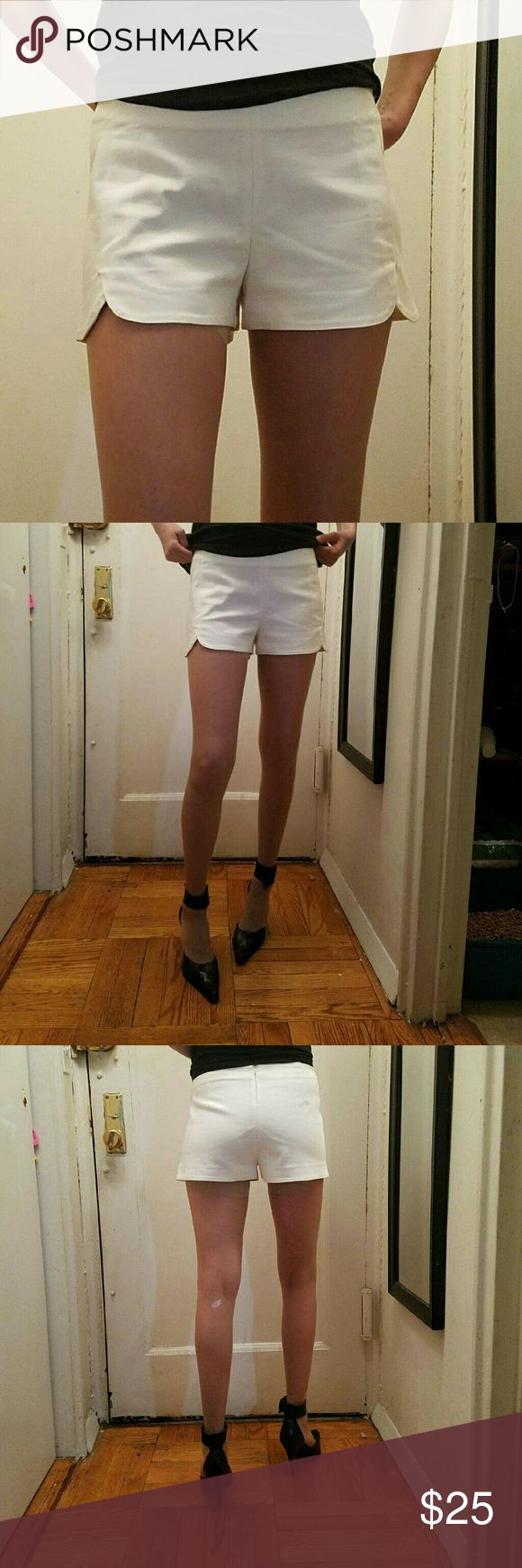 ZARA elegant shorts size S final price reduction!! Never worn but had them for while so decided best way to show what they look like it's to wear them for pict to post here snow white 49 %polyester 47 %cotton 4%elastine perfect for summer or night out just made final reduction of price  this is amazing deal Zara Shorts
