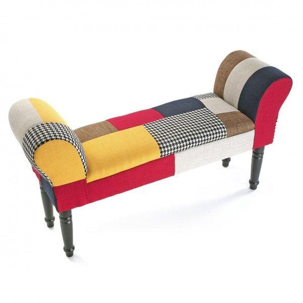 Taburete pie cama tapizado tela patchwork Este taburete pie de cama tapizado en tela patchwork es una pieza muy elegante que encajará perfectamente en su dormitorio.