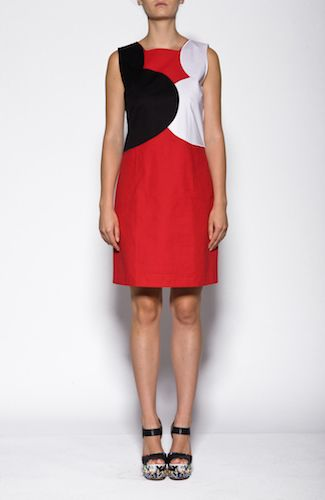 Love Moschino dress Red dress with white and black color blocking. 97%COTTON3%ELASTANE Code: CFWVC9101S2549