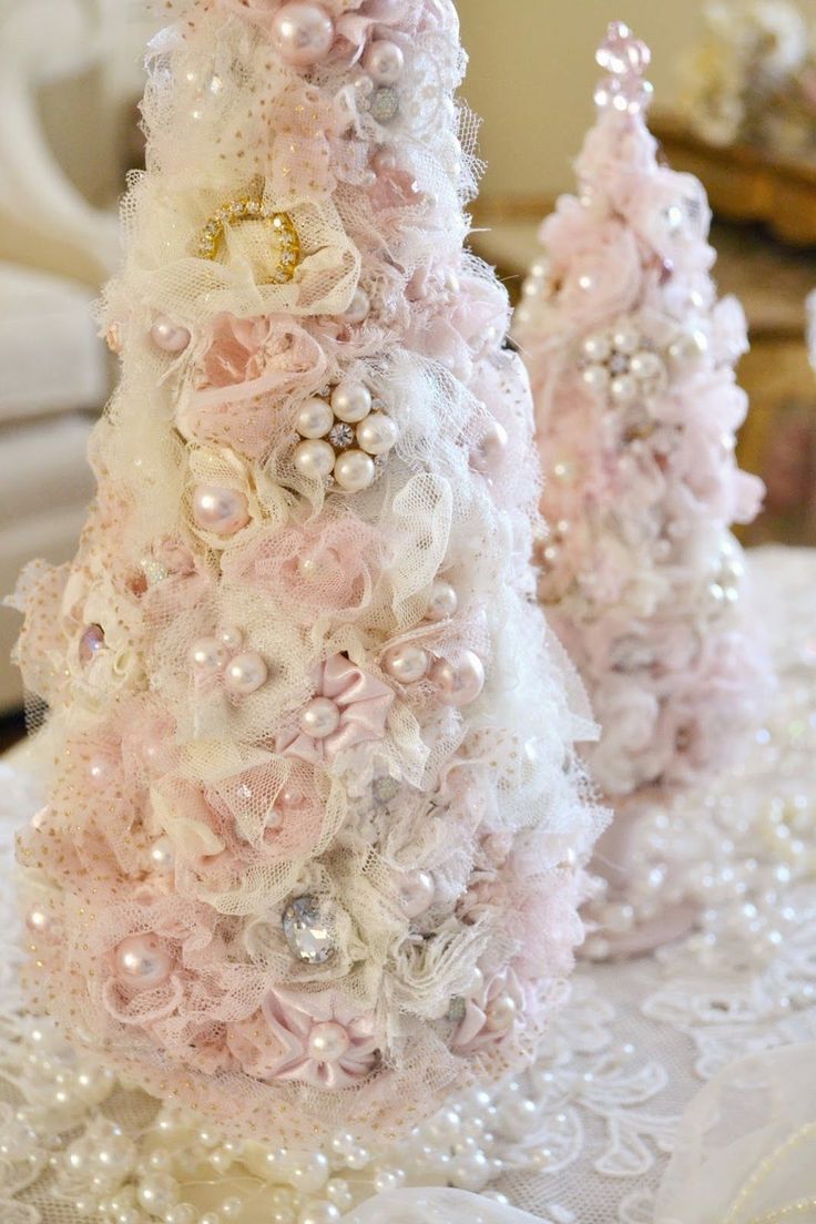"""""""God gave us memory so we  might have roses in December""""            ~James Barrie    My Christmas decorations don't change very..."""