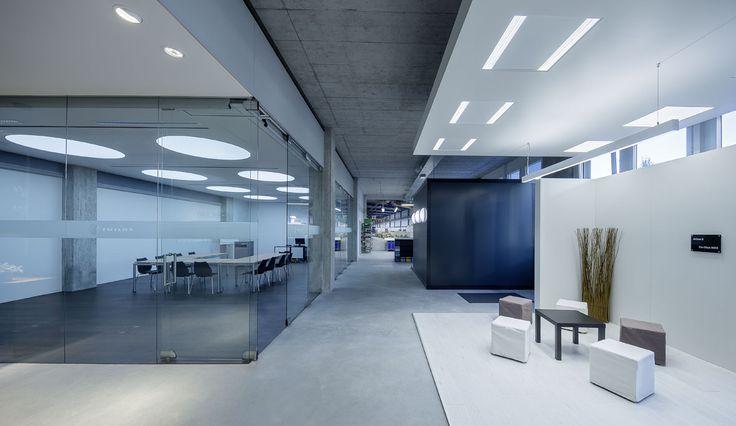 Luminaire De Bureau Led Dynamique Trilux D Co