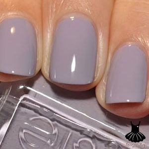 Bangle Jangle by Essie. Saw this polish somewhere, loved it, then took me awhile to find out which Essie it was. Here it is.