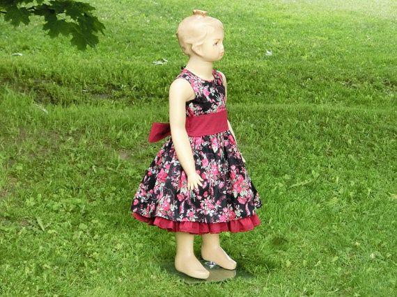 Girls floral print dress. Girls christmas by englaCharlottaShop