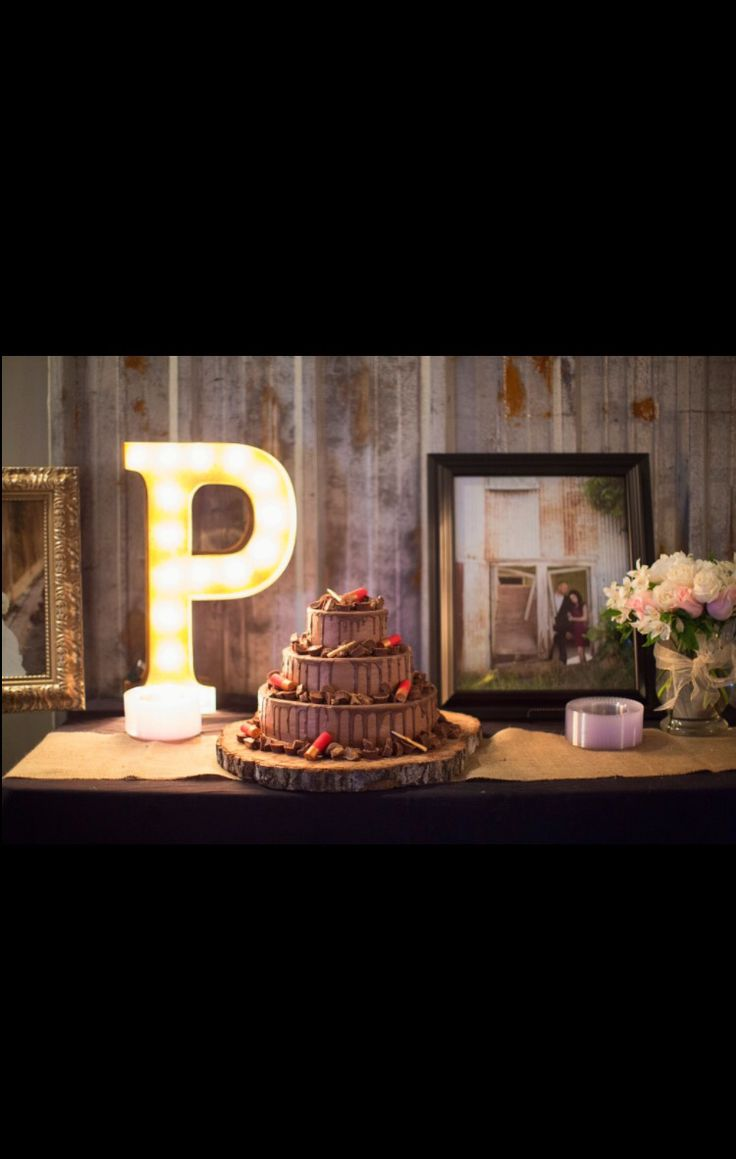 Best 25 Country Grooms Cake Ideas On Pinterest Rustic
