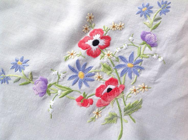 Винтажный ручной вышивкой белая льняная скатерть 47x48 дюймов | eBay