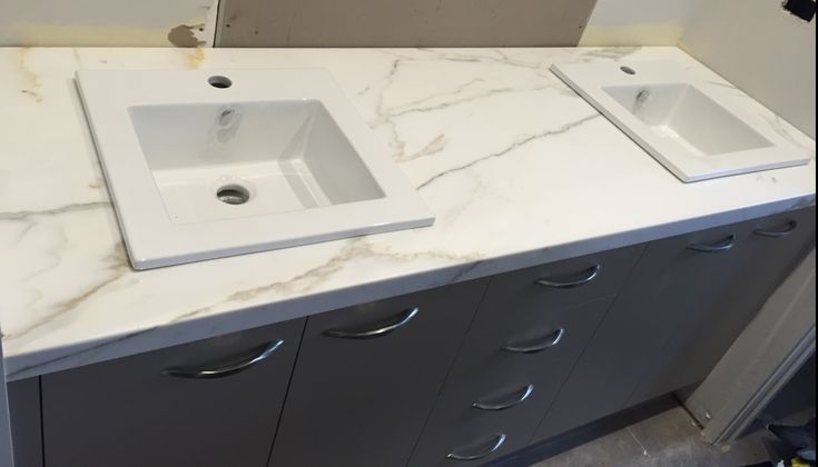 We can offer simple Melbourne kitchen renovations processes, using your existing laminate benchtop as the base, then overlaying it with our quartz stone benchtops (mitred edges) to give an elegant finish to your kitchen renovation. While offering cheap stone benchtops in Melbourne, you can be sure quality has not been sacrificed to make them cheap.#benchtops melbourne