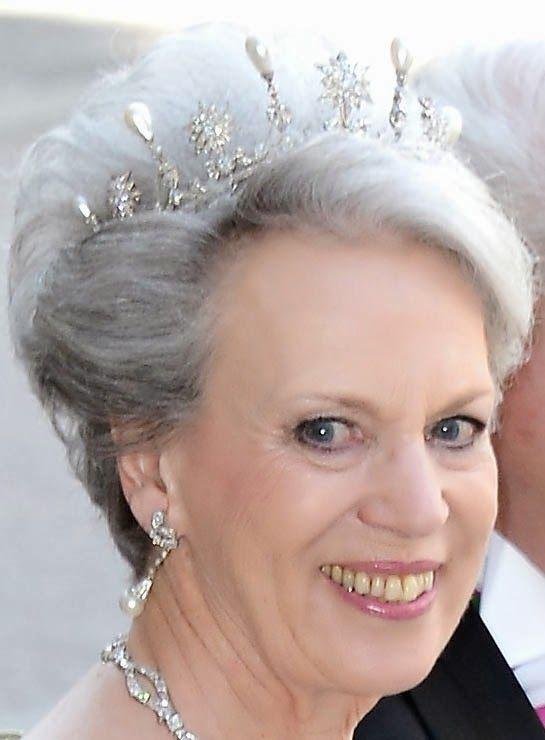 Tiara Mania: Star & Pearl Tiara worn by Princess Benedikte of Sayn-Wittgenstein-Berleburg