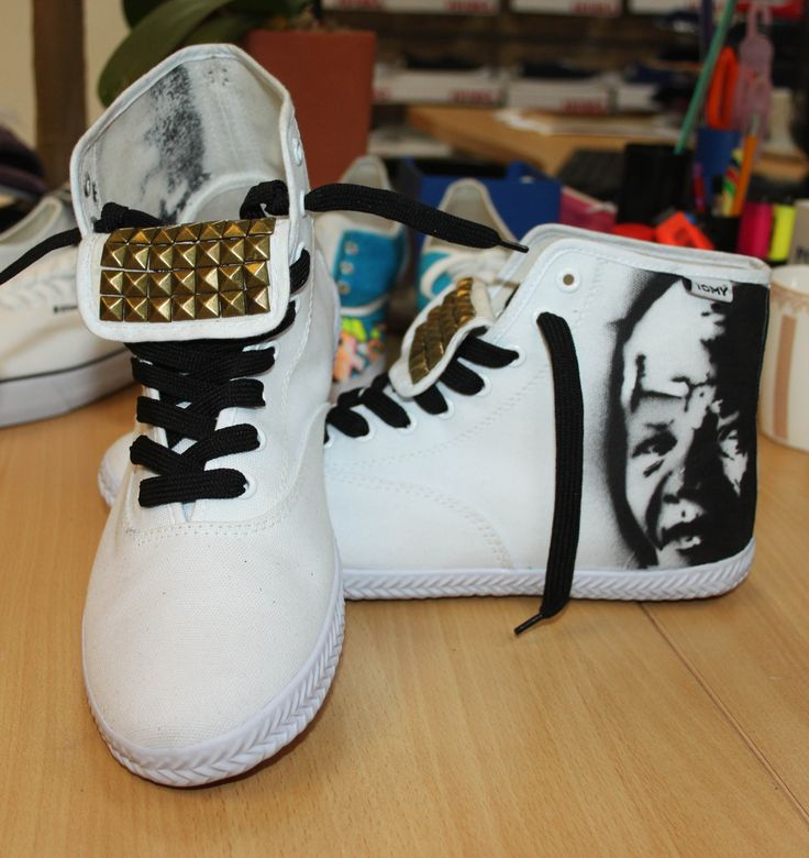 Nelson Mandela , Tomy High top.
