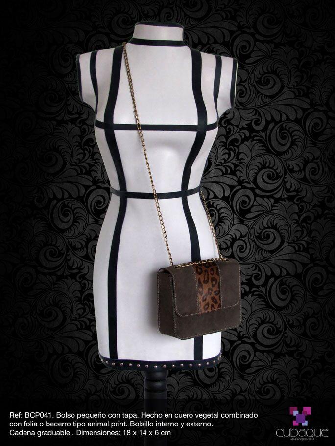 Bolso pequeño con cadena graduable. Bolso en cuero #handmade #bags #accesorios #hechoamano #leather #cuero #bolsos