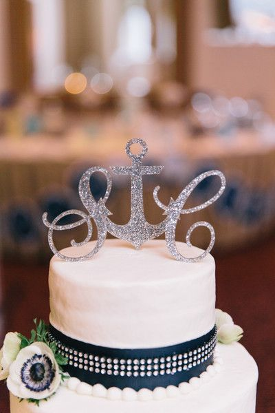 Anchor wedding cake topper - perfect for the preppy couple! {@bonmonster; Cake:Cakes by Melinda}