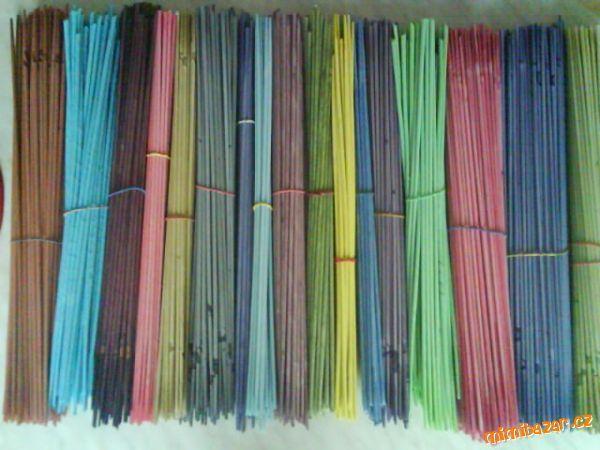 barvení papírových ruliček