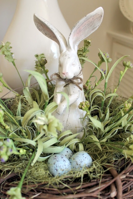 A  nice tutorial for a bunny in a nest from On Sutton Place Blog.