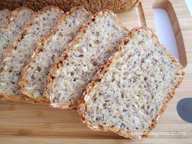 Chleb wieloziarnisty na drożdżach