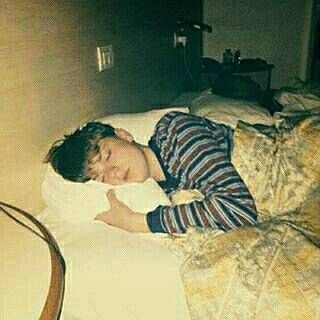 WHY ARE WE SO OBSESSED WITH HIM SLEEPING? CANT NOT PIN THIS CUTIE ANGEL