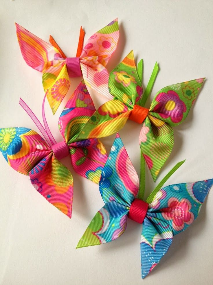 Butterflies (Friends) ...Lentes un lentītes (ribbon crafts) (no instructions but pretty self explanatory - simple, cute & fun)