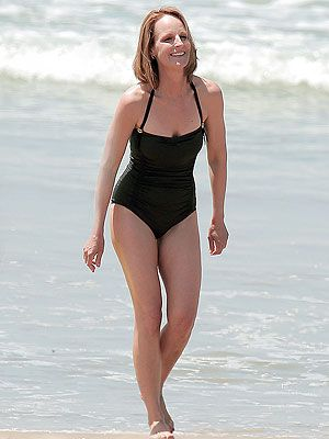 Helen Hunt Wows in Bathing Suit at 50 years old
