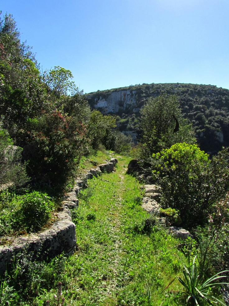 A footpath, Cava d'Ispica - SICILY