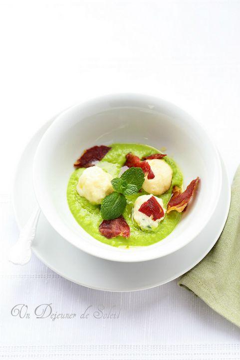 Un dejeuner de soleil: Gnocchi de ricotta, crème de petits pois et coppa ...
