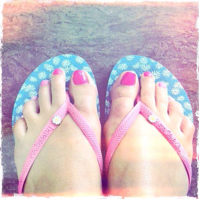 Carma's toes!