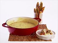 Get this all-star, easy-to-follow Beer and Italian Sausage Fondue recipe from Giada De Laurentiis