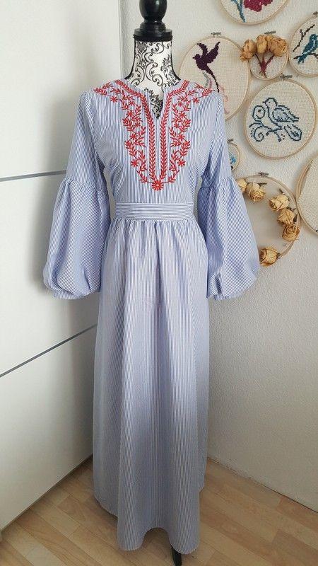 Maxikleid Kleid lang blau weiß rot Stickerei langarm