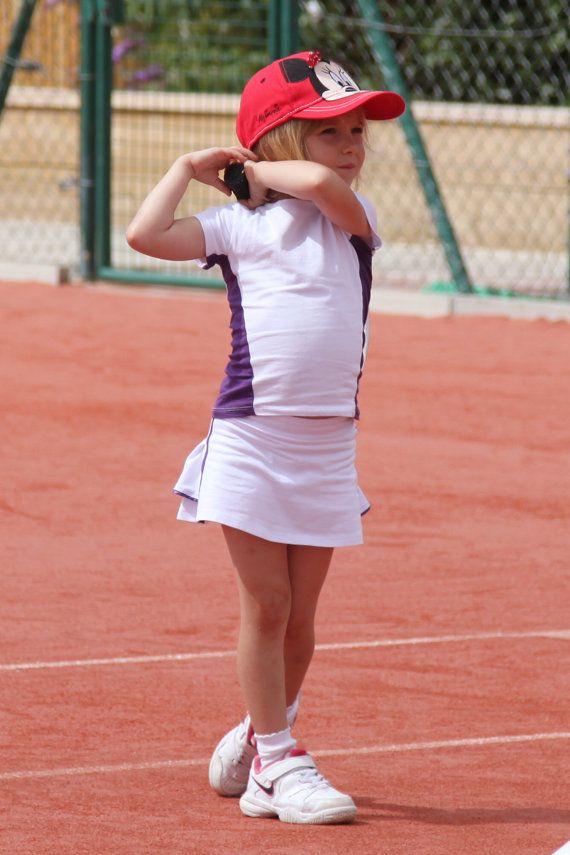how to wear a tennis skirt