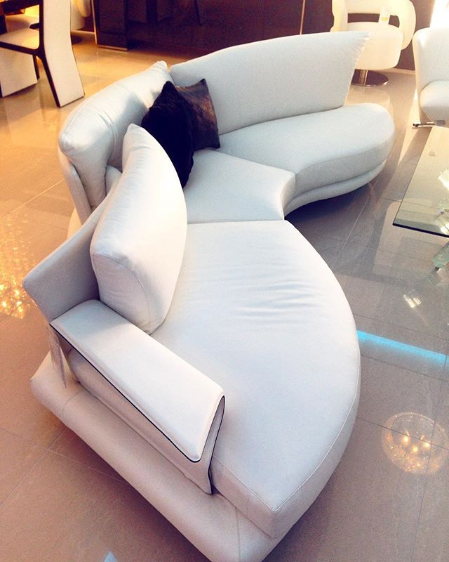 Just like the beautiful curves of a woman, the sensuous Super Roy lounges are breathtaking with their curves!!! Overlapping layers of cushions and shaped curves give different seating experiences and levels of comfort #madeinitaly @sovereigninteriors #sydneyshowroom also now on display at the #goldcoastshowroom #SovereignInteriors  #interiors #SovereignInteriors #deluxe #design #instaluxury #instainteriors #interiorhome #interiordesign #sydneyblogger #sydneyhome #luxury #luxuryhome…