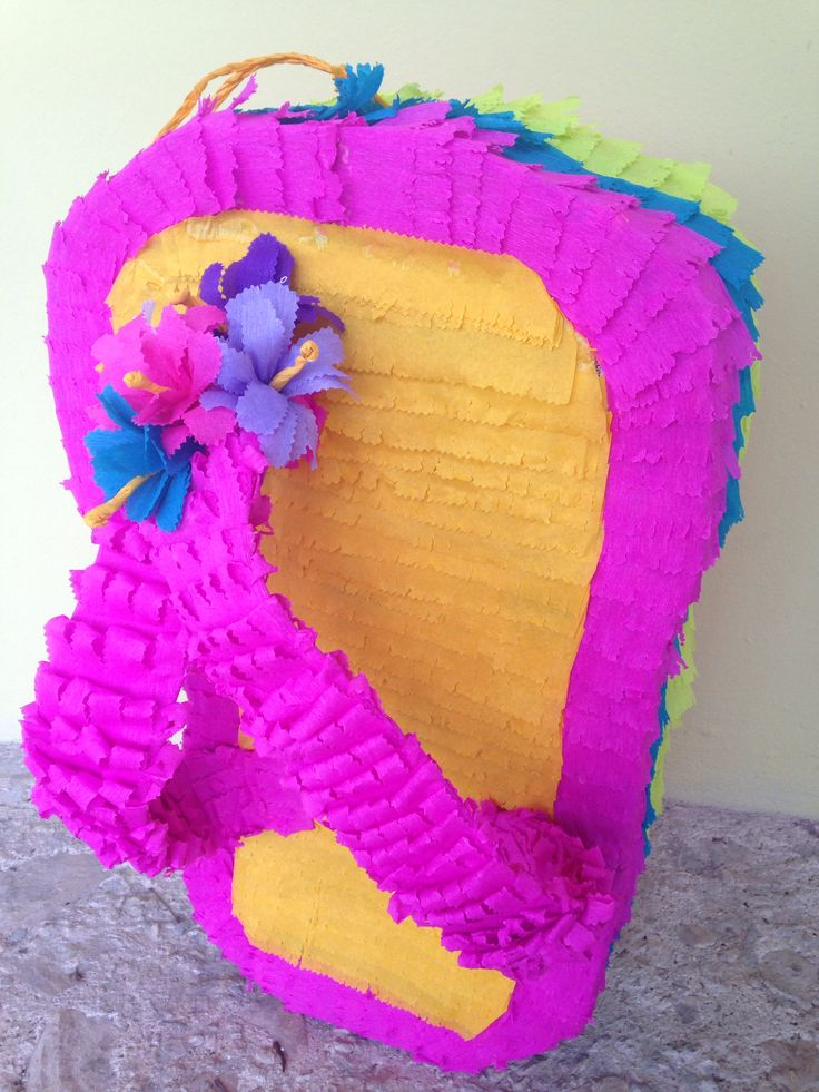 Hawaiian pi ata chancla pi ata pool party decorations for Albercas para fiestas