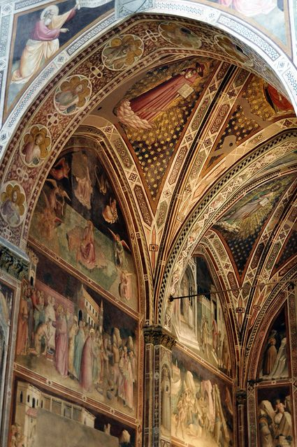 Basilica di Santa Croce, Florence, Italy, beautiful frescoes by Giotto, burial place of Michelangelo, Galileo, Machiavelli