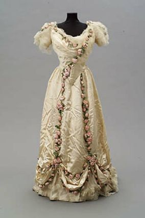Evening Dress, House of Worth 1907, French, Made of silk and satin