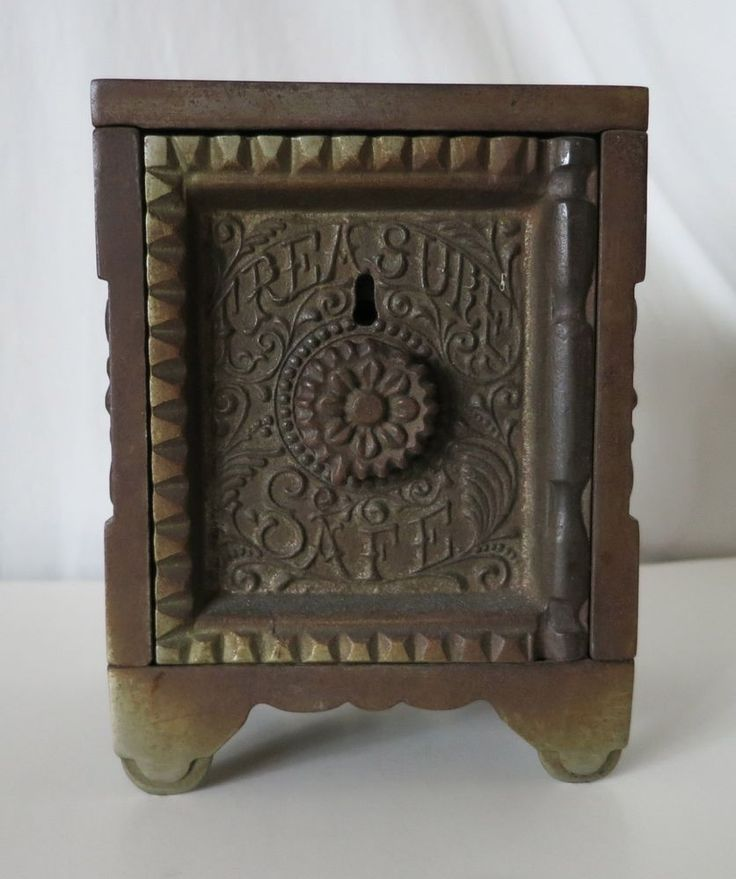 TREASURE SAFE CAST IRON BANK, KEY COMBINATION SAFE NO 45. J. & E. STEVENS CO.