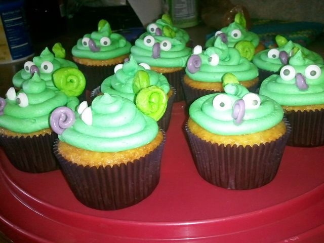 Cupcakes at a Tangled Party #tangled #cupcakes