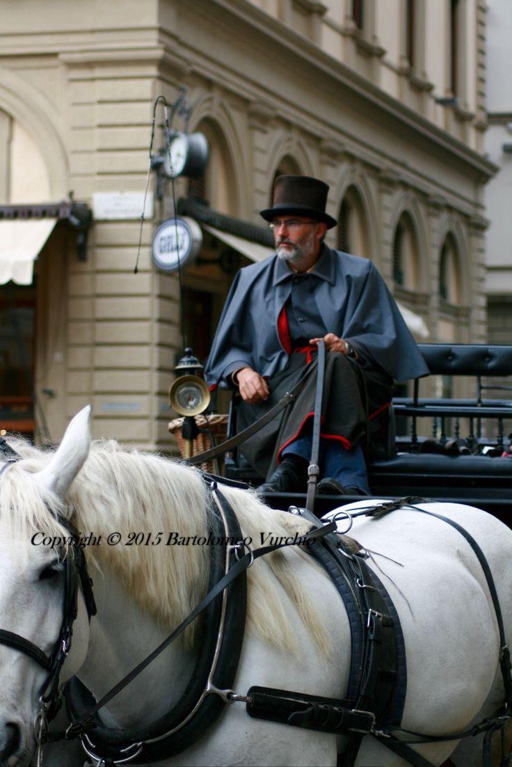 Firenze cocchiere con la sua carrozza.....