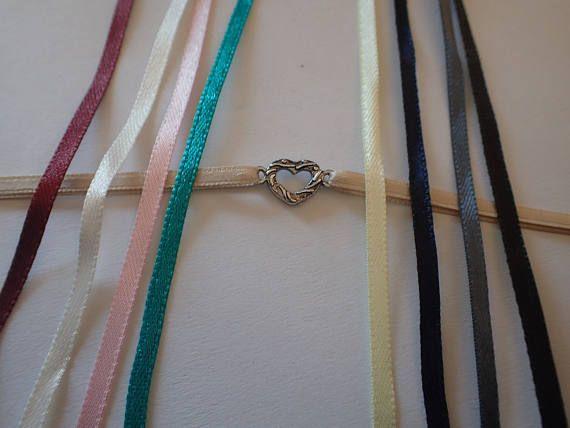 Retrouvez cet article dans ma boutique Etsy https://www.etsy.com/fr/listing/528140631/bracelets-coeurs-bracelets-en-satin