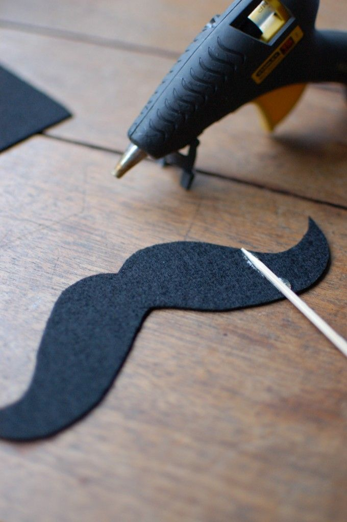 how to make a fake mustache for kids