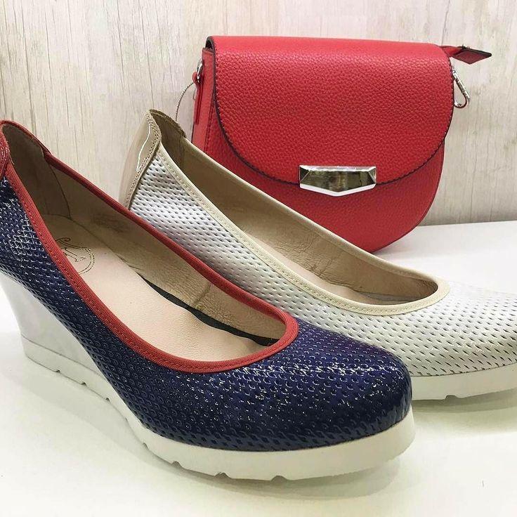 Ya tienes listo tu regalo para el día de la madre Tan solo queda una semana y aún estás a tiempo de visitar nuestra shop  con increíbles ofertas Zapatos antes 5690 AHORA 4836  . . . . Pedidos MD