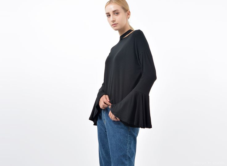 Choker Wide Cuff Black Blouse / Fashion trends online at bosroom.com #chokertop chokerblouse #choker #blackblouse #fall #widecuffs