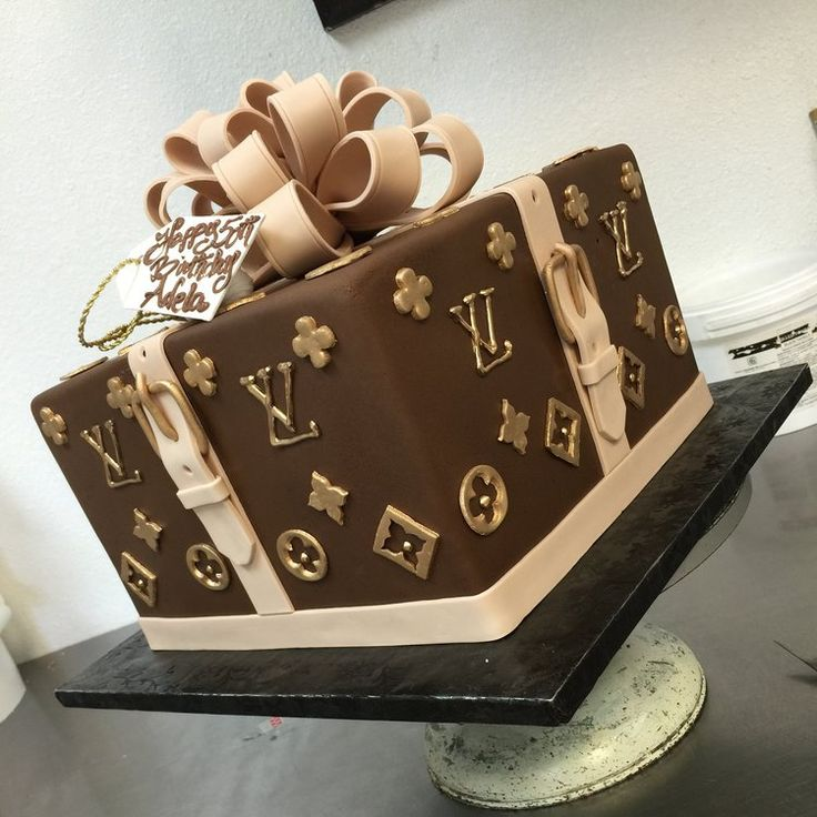 Louis Vuitton Gift Box Cake Cake In 2019 Birthday Cake