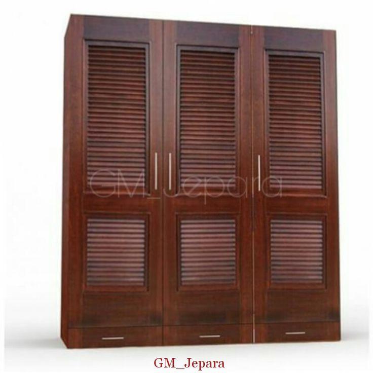 Lemari Pakaian Minimalis Pintu Susun memiliki tampilan simple dengan design minimalis dengan finishing melamin coklat yang anggun.
