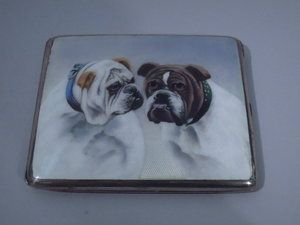 Silver bulldog cigarette case
