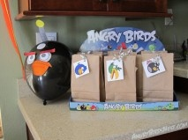 Angry Birds Homemade Party Favors and Balloons