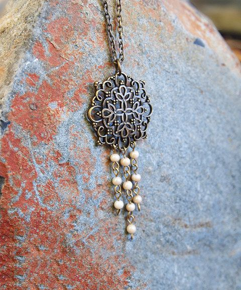 Best Looking And Different Designs Of Sun Glass Necklace