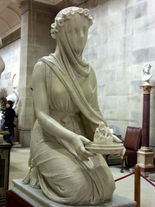 Si ya de por si la escultura en mármol es uno de los artes más complicados que existen, el esculpir un velo en mármol es casi mágico.