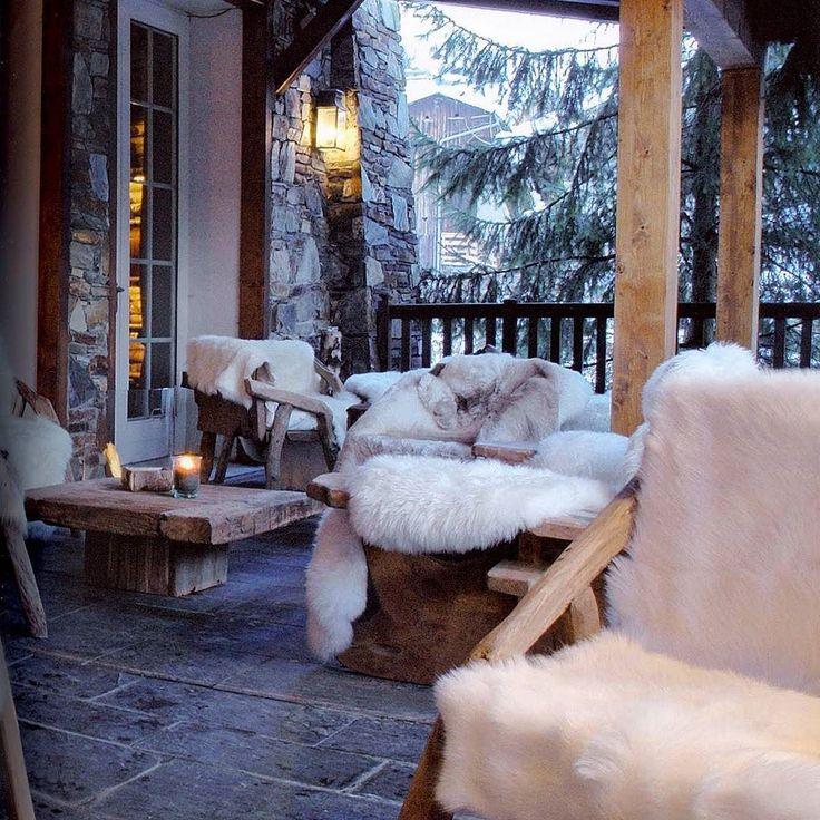 Wczoraj ogród zimowy dziś weranda... Wy również spędzicie Sylwestra w iście górskim stylu?  #verandah #porch #winter #snow #mountains #freetime #wogrodzienajlepiej #wogrodzienajlepiejpl #ogrod #garden #sylwester