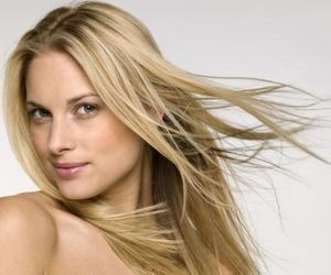 Hairstyles for petite women– website.