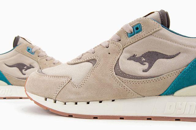 KANGAROOS COIL R-2 (SAND/NAVY) | Sneaker Freaker