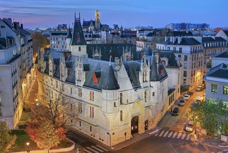 Marquise de Sade tour with great list of places to see