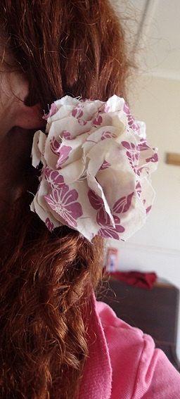 Simple Shabby Chic flower hair tie. Original by SortThePost, $20.00