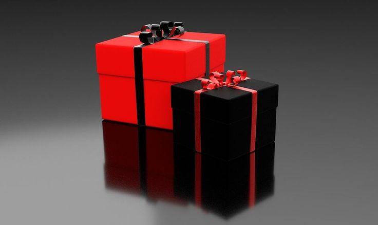 Dzień chłopaka /mężczyzny to dzień, w którym każda kobieta ma ten sam problem – jaki kupić prezent dla mężczyzny? Jedne z popularniejszych prezentów to portfele, perfumy, paski do spodni, biżuteria męska. Jedni uważają, że są to prezenty zbyt popularne żeby je dawać po raz kolejny, inni... http://mezczyzna.twojachwila.eu/podaruj-idealny-prezent-swojemu-chlopakowi/